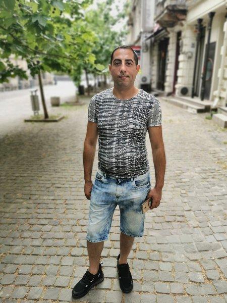 barbat singur caut femeie băneasa)